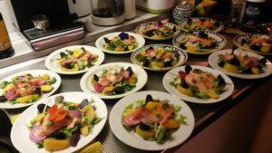 Privé kok aan huis maakt borden op. Bij u thuis in Idsegahuizum!
